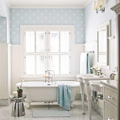 Banho Romantico Branco e Azul