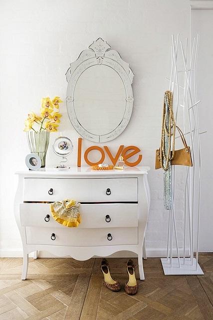 Comoda Branca Love