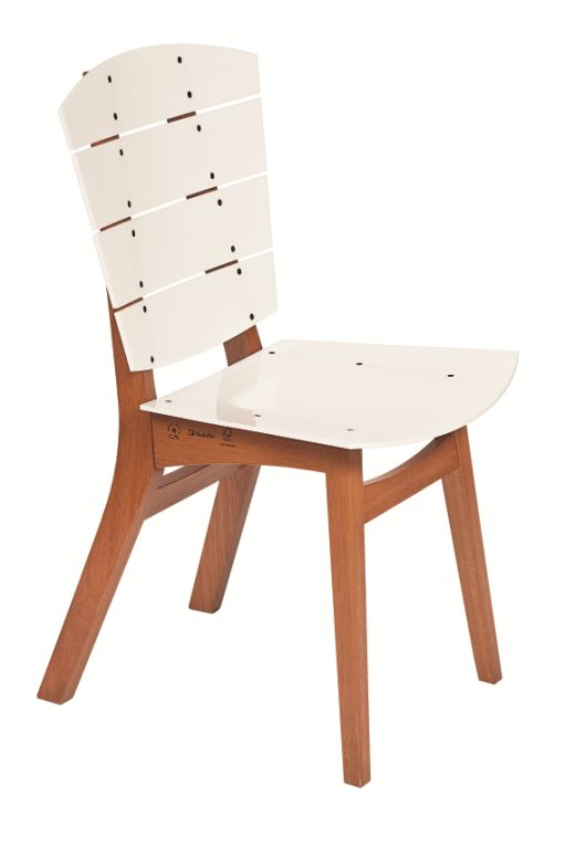 Cadeira Rio em Madeira e Metacrilato - design de Carlos Motta - Butzke - www.butzke.com.br