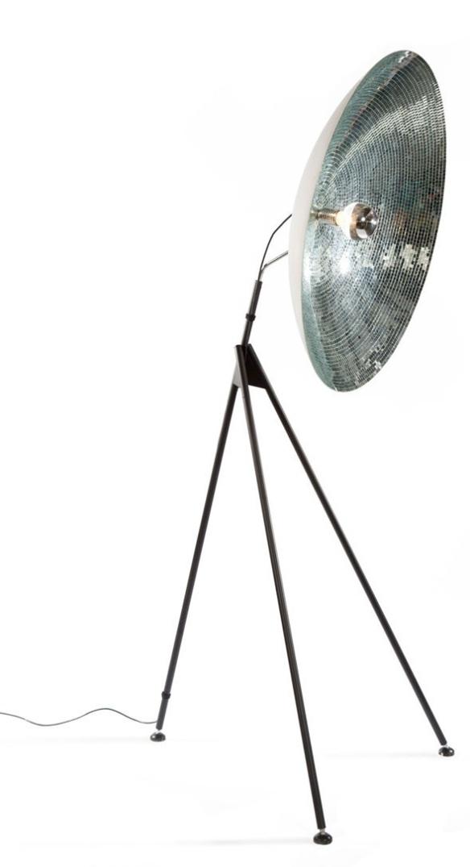 Luminária de Piso Disco Dish de Bertjan Pot para DHPH.
