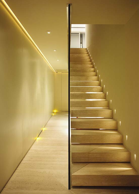 iluminação corredor e escada