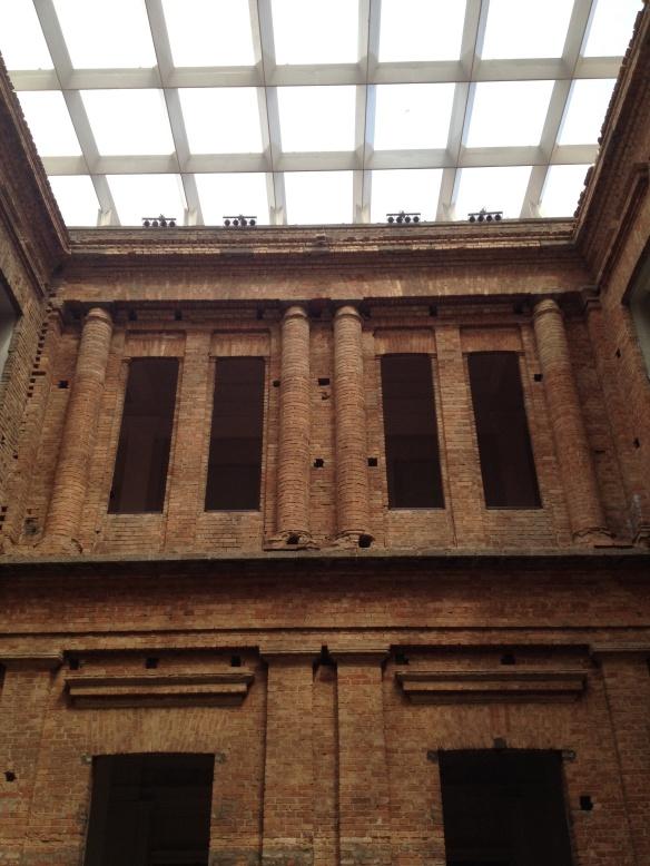patio interno pinacoteca 2