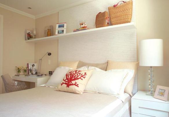 cabeceira cama box branca madeira fininha e criado-mudo home office