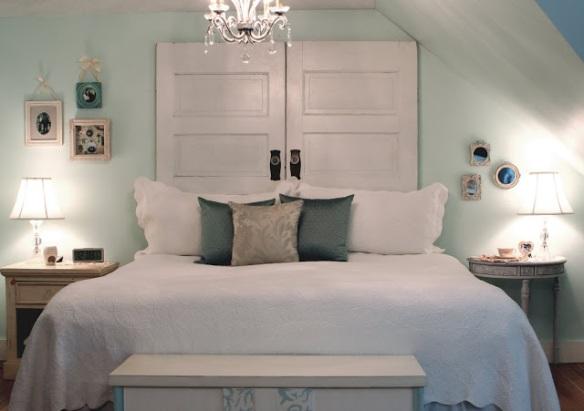 cabeceira-cama-box-usando-portas-antigas