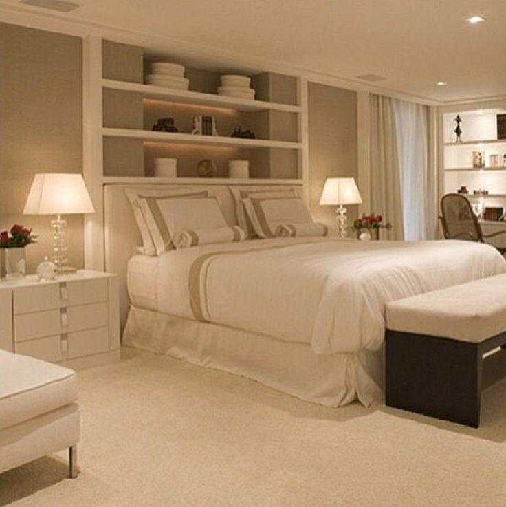 Dogpatch Condo Master Bedroom: Cabeceira Estante