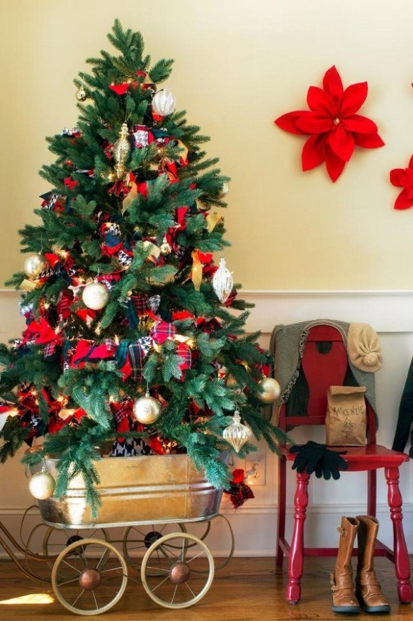 title-brian-patrick-flynn-holiday-house-christmas-tree